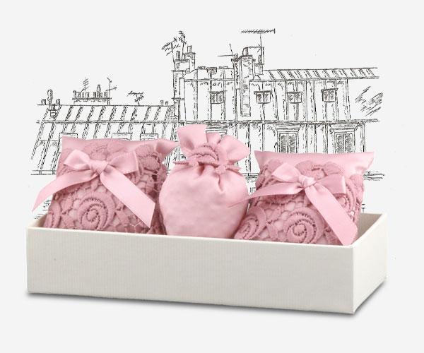 Nos collections Maryse à Paris - Autour de la Rose Coussin Senteur Paris